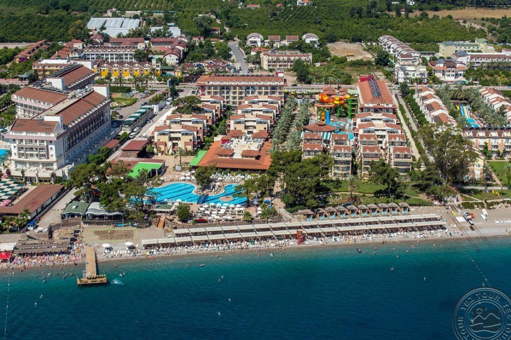 Почивка в CRYSTAL AURA BEACH RESORT & SPA 5 *