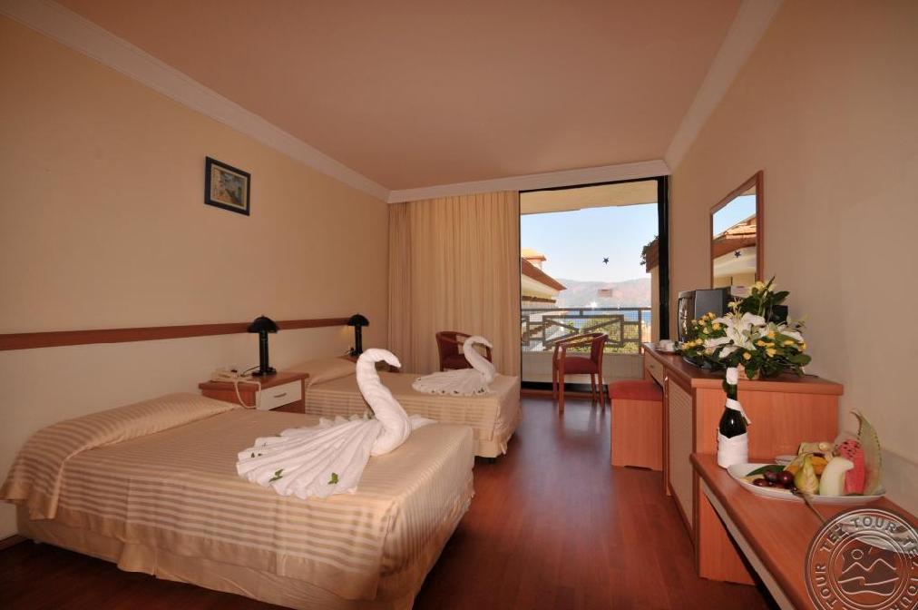 L'ETOILE BEACH HOTEL 4 *