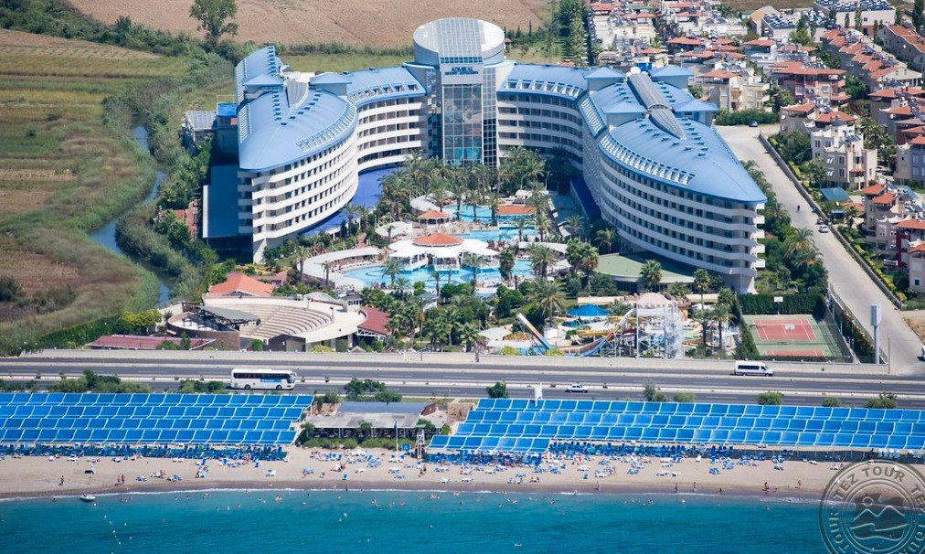 Почивка в CRYSTAL ADMIRAL RESORT SUITES & SPA 5 *