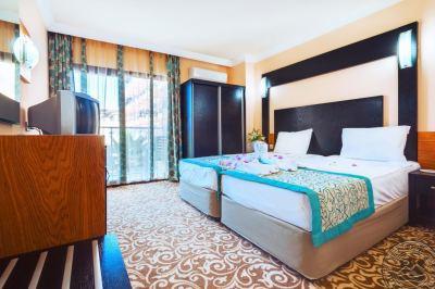 MC MAHBERI BEACH HOTEL 4 *