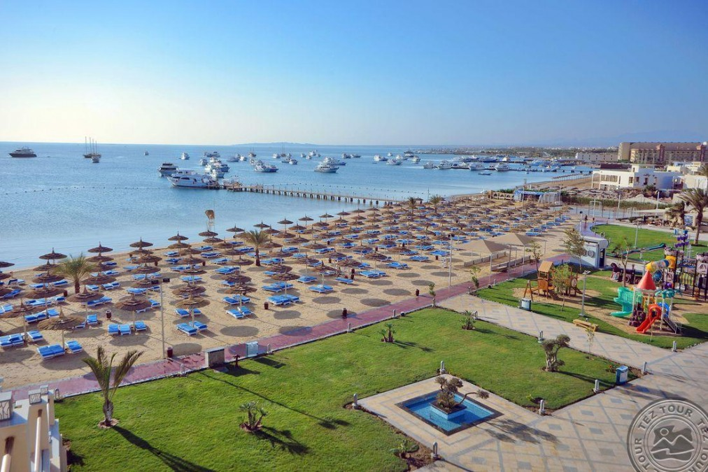 Почивка в ALBATROS WHITE BEACH RESORT 5*