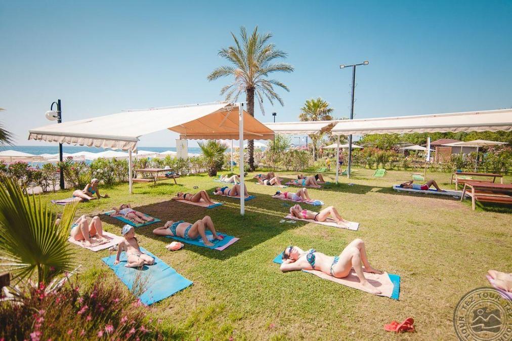 Почивка в L`OCEANICA BEACH RESORT HOTEL 5 *