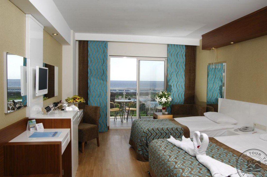 Почивка в SEA WORLD RESORT&SPA 5 *
