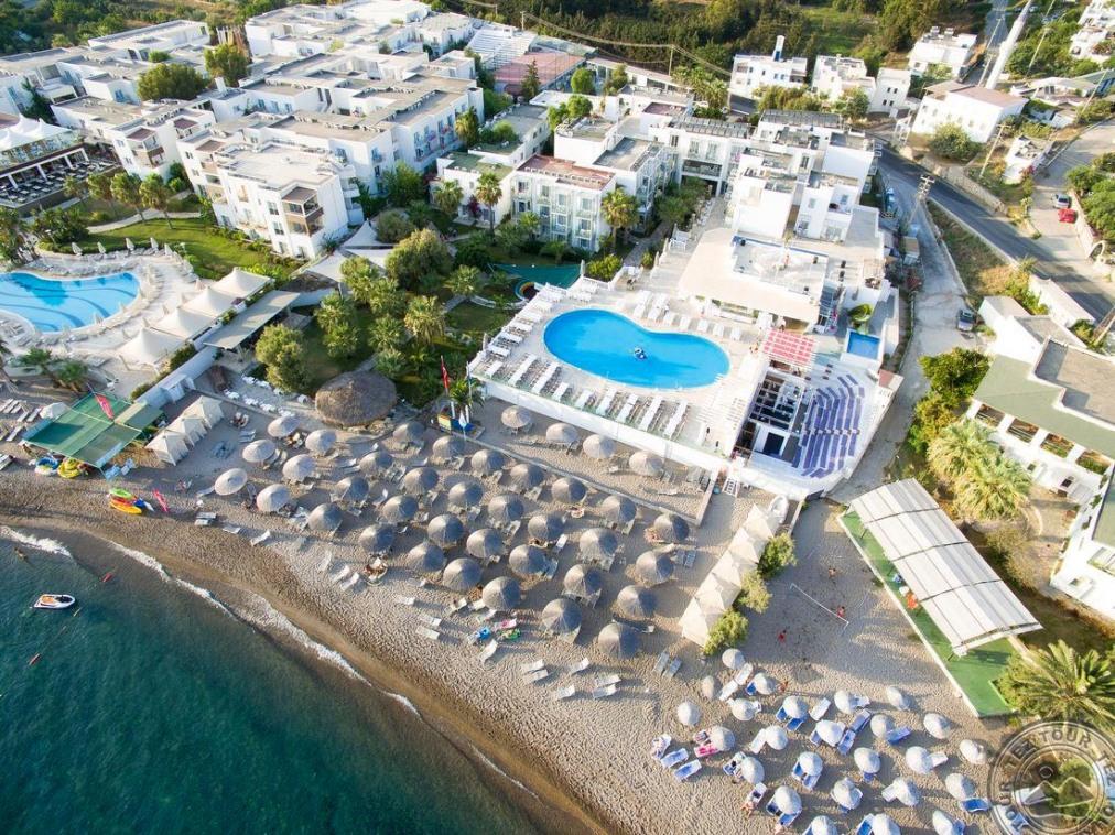 CHARM BEACH HOTEL 4 *