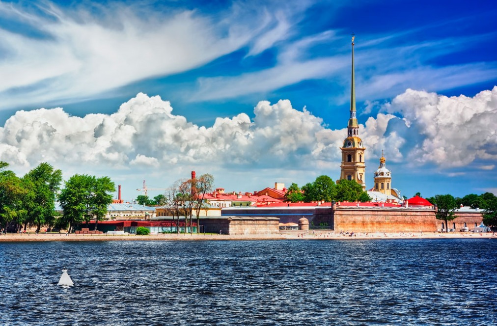 Почивка Белите нощи в Санкт Петербург и речен круиз до Москва по Волго-Балтийският воден път