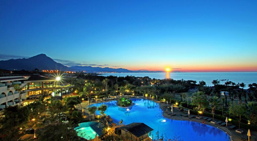 Fiesta Resort, Premium