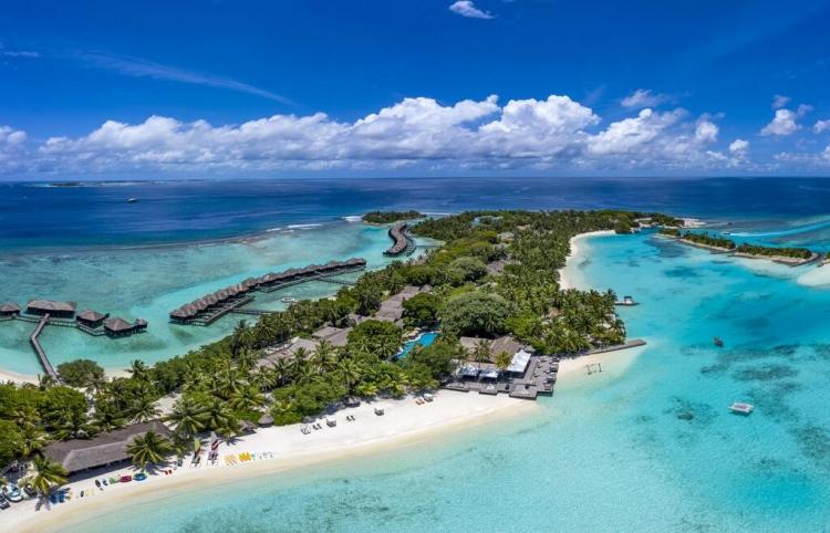 SHERATON FULL MOON RESORT & SPA MALDIVES
